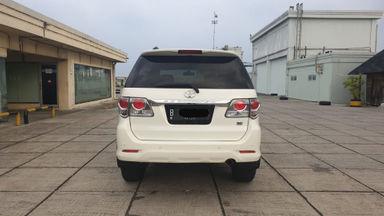 2013 Toyota Fortuner 2.7 V 4x4 Bensin AT Fullspec - Favorit Dan Istimewa (s-5)