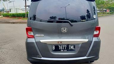 2013 Honda Freed PSD - Kondisi super mulus, siap pakai. (s-3)