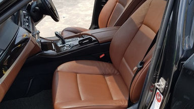2012 BMW 5 Series 520i - Lowkm terawat termurah (s-7)