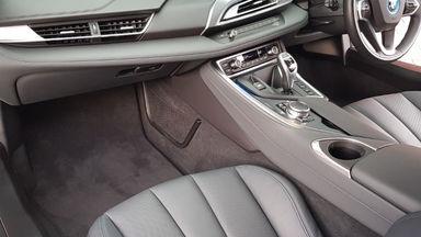 2015 BMW i i8 HYBRID - Kondisi Istimewa (s-15)