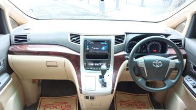 2013 Toyota Alphard 2.4 X IU CBU Builtup - Sangat Istimewa Seperti Baru (s-10)