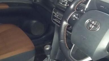 2017 Toyota Sienta V CVT - Istimewa (s-1)