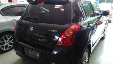 2009 Suzuki Swift st - Mobil siap pakai (s-2)