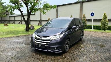 2014 Honda Odyssey 2.4L Prestige - terlengkap Pemakaian 2015 asli L tangan ke 1 Istimewa Seperti Baru