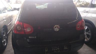 2005 Volkswagen Golf AT - Kondisi mulus tinggal pakai (s-2)