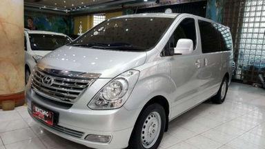 2012 Hyundai H-1 2.5 MT - Km Rendah