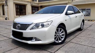 2013 Toyota Camry V 2.5 - Mobil Pilihan (s-0)