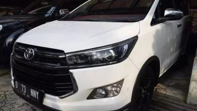 2017 Toyota Kijang Innova Venturer AT - Istimewa Siap Pakai (s-0)