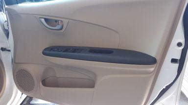 2015 Honda Brio E Satya - Terawat Dan Harga Istimewa (s-9)