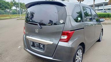 2013 Honda Freed PSD - Kondisi super mulus, siap pakai. (s-8)