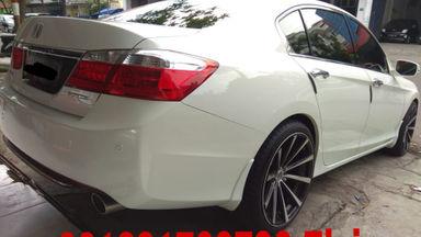 2013 Honda Accord Vtil - Dijual Cepat Full Orisinal Seperti Baru (s-3)