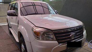 2011 Ford Everest XLT - Mulus Pemakaian Pribadi dan Istimewa Terawat (s-2)