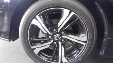 2018 Honda Civic VTEC turboo - Tampilannya keren, KMnya sedikit, layak dipilih untuk pakai harian. (s-4)