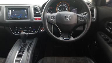 2016 Honda HR-V E CVT - Istimewa siap pakai (s-5)