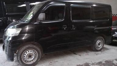 2013 Daihatsu Luxio D - Kondisi Ciamik. TDP 20jt