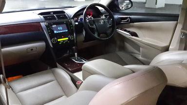 2013 Toyota Camry 2.5 V - Kondisi Mulus Tinggal Pakai (s-2)