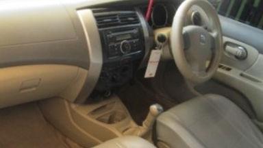 2009 Nissan Grand Livina xv - Kondisi Istimewa (s-13)