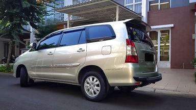 2013 Toyota Kijang Innova G - Mobil Pilihan (s-2)