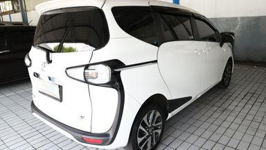2016 Toyota Sienta v - Harga Bisa Digoyang Like New (s-2)