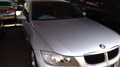 2006 BMW 3 Series 320i AT - Kondisi Istimewa