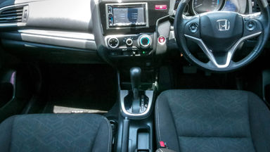 2014 Honda Jazz RS 1,5 - Mobil Pilihan (s-4)