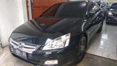 2004 Honda Accord MT - mulus terawat, kondisi OK, Tangguh (s-0)