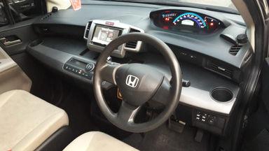 2011 Honda Freed Psd - Good condition, service record (s-8)