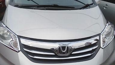 2013 Honda Freed Sd - Istimewa siap pakai