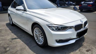 2014 BMW 3 Series 320i Luxury - Mobil Pilihan (s-1)