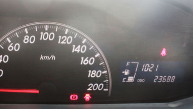 2011 Toyota Yaris E MT - KM 23 ribu asli gan (s-6)