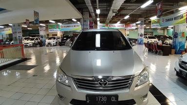 2013 Toyota Kijang E - Mobil  mulus sperti baru