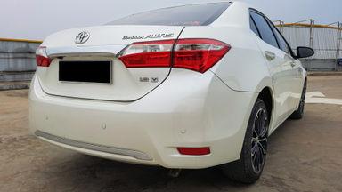 2014 Toyota Corolla Altis 1.8 V - Mobil Pilihan (s-5)