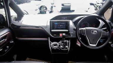 2017 Toyota Voxy 2.0 - Mobil Pilihan (s-5)