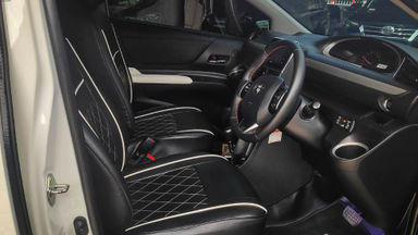 2017 Toyota Sienta Q - Mobil Pilihan (s-5)