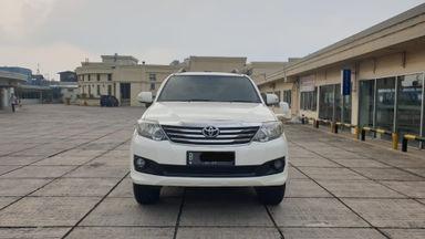 2013 Toyota Fortuner 2.7 V 4x4 Bensin AT Fullspec - Favorit Dan Istimewa (s-11)