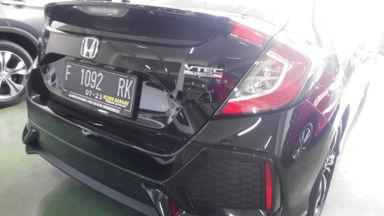 2018 Honda Civic VTEC turboo - Tampilannya keren, KMnya sedikit, layak dipilih untuk pakai harian. (s-5)