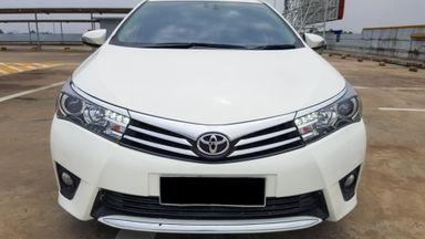 2014 Toyota Corolla Altis 1.8 V - Mobil Pilihan (s-1)