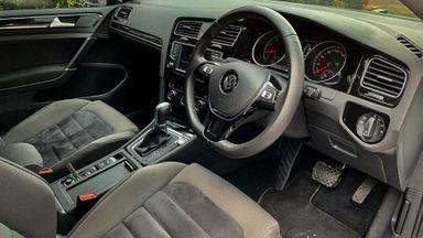 2017 Volkswagen Golf TSI - Mobil Pilihan (s-4)