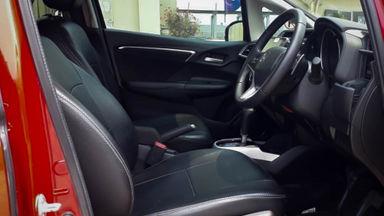2016 Honda Jazz RS 1.5 AT - Mobil Pilihan (s-5)