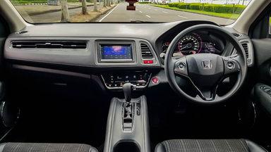2017 Honda HR-V E CVT - Mobil Pilihan (s-4)