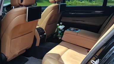 2013 BMW 7 Series 730i LI F20 Facelift - Mobil Pilihan (s-5)