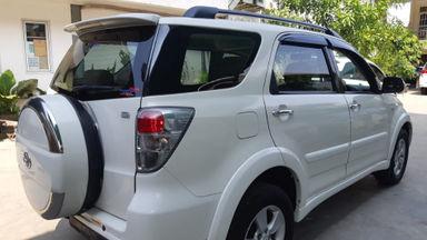 2013 Toyota Rush S - Kondisi Istimewa (s-8)