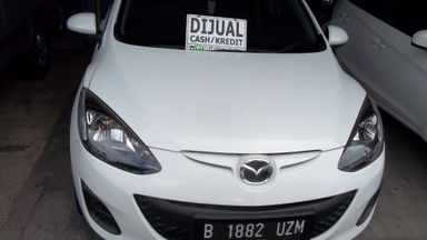 2012 Mazda 2 V - Harga Istimewa