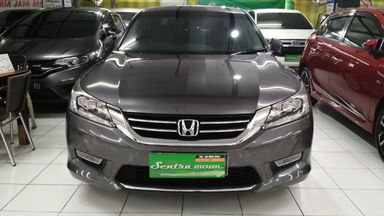 2013 Honda Accord VTIL 2.4 - Low Kilometer (s-5)