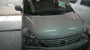 2010 Nissan Serena CT - Kondisi Mulus Terawat (s-1)