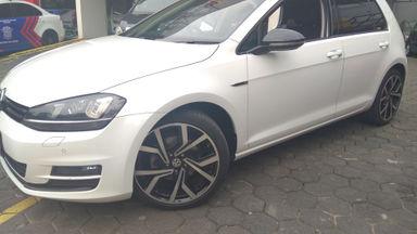 2013 Volkswagen Golf TSi 1.4 - mulus terawat, kondisi OK