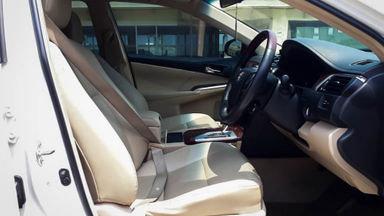 2013 Toyota Camry V 2.5 - Mobil Pilihan (s-5)