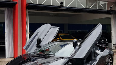 2015 BMW i i8 HYBRID - Kondisi Istimewa (s-5)