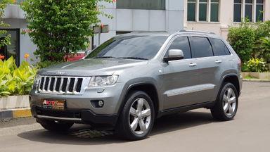 2011 Jeep Grand Cherokee Cherokee - Terawat - Siap Pakai