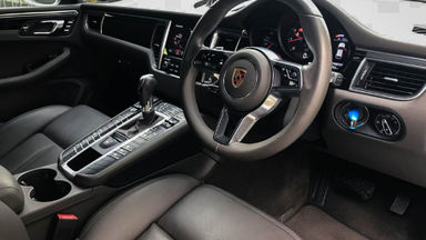 2017 Porsche Macan 2.0 Facelift - Mobil Pilihan (s-5)